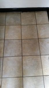 Ceramic-Tile-Floor-in-Bedfordshire-e1432797771430