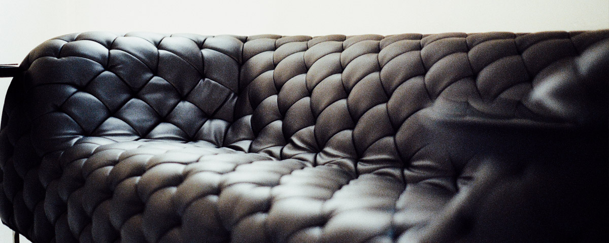 leather-cleaning-sofa
