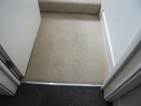 home-staircase-entrance-carpet-cleaning-customer-bedfordshire-after